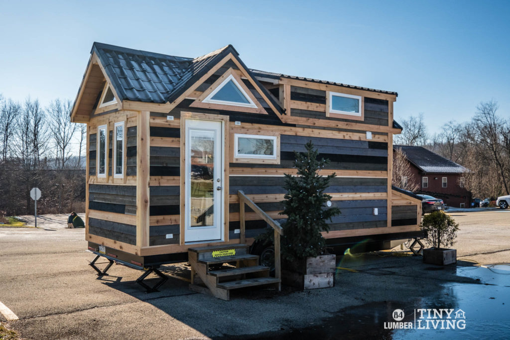 84tinyliving-countryside-tiny-home