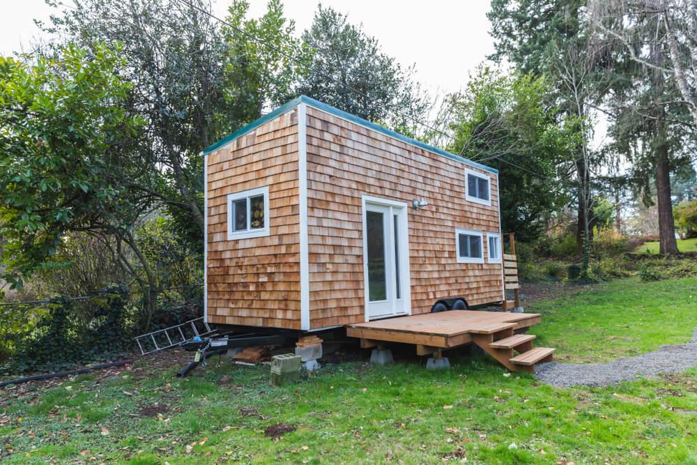 why critics don't like tiny houses - tiny house with no roof